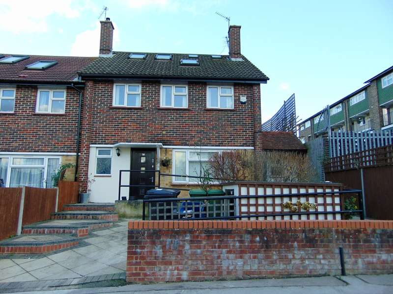 4 Bedrooms End Of Terrace House for sale in Frensham Drive, New Addington, Croydon, CR0 0QY