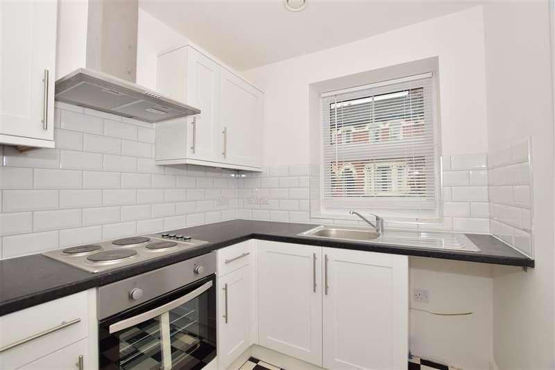 2 Bedrooms Terraced House for sale in Tonbridge Road, , Maidstone, Kent