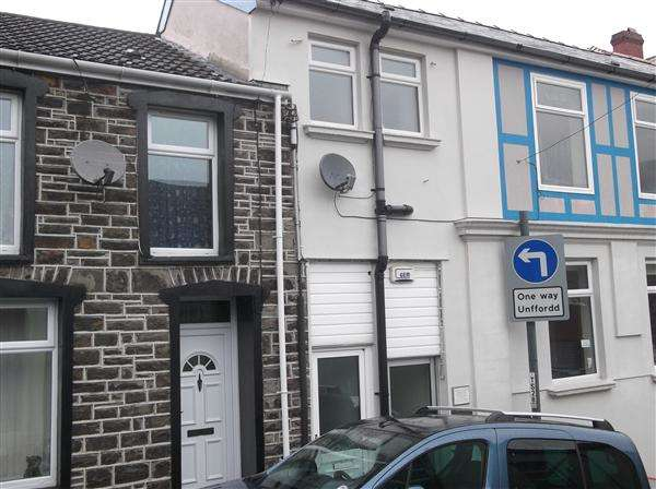 1 Bedroom Apartment Flat for rent in Bruce Street, Mountain Ash
