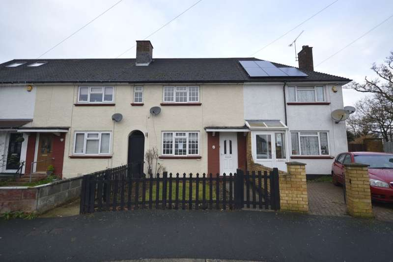 3 Bedrooms Property for sale in Ross Crescent, Watford, WD25