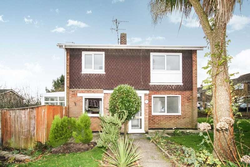 3 Bedrooms Link Detached House for sale in Hickstars Lane, Billericay