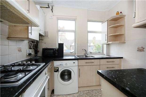 3 Bedrooms Maisonette Flat for sale in Valley Road, LONDON, SW16