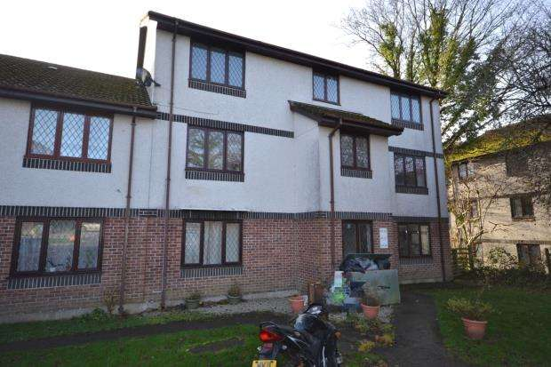 2 Bedrooms Flat for sale in Penlee Close, Callington, Cornwall