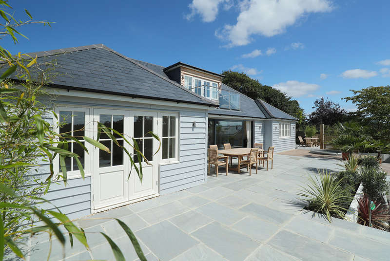 5 Bedrooms Detached House for sale in Monument Lane, Walhampton, Lymington, Hampshire