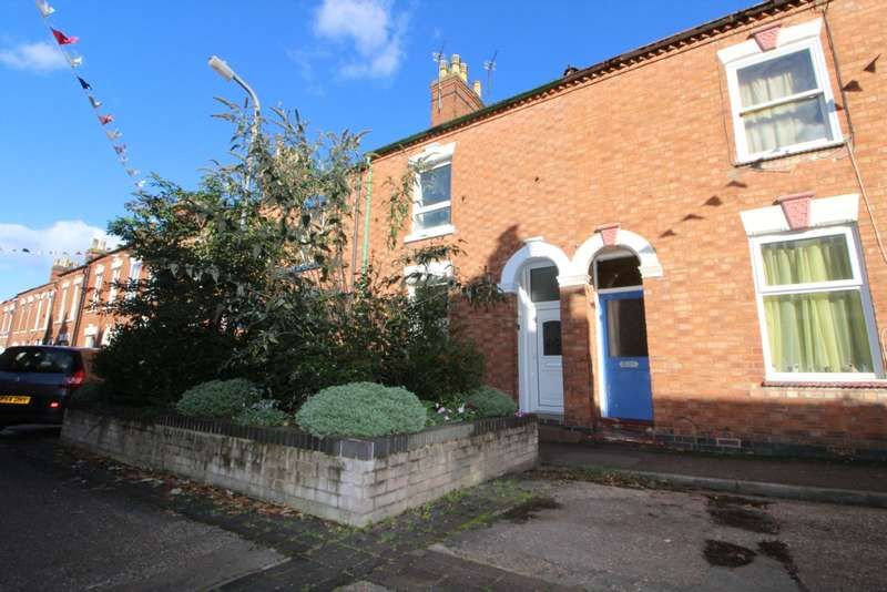 3 Bedrooms Terraced House for sale in Oxford Street, Wolverton, Milton Keynes, Buckinghamshire