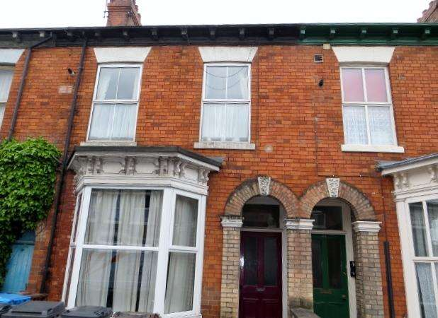 1 Bedroom Flat for sale in Louis Street, Hull, HU3 1LZ