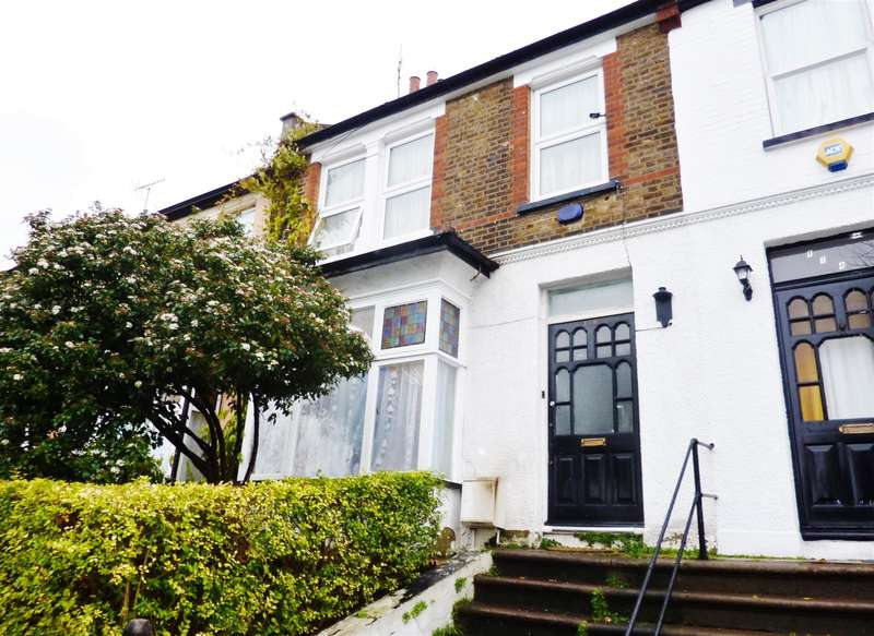 3 Bedrooms Town House for sale in McLeod Road, Abbey Wood, London, SE2 0BT