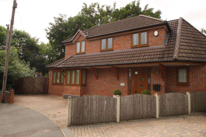 3 Bedrooms Detached House for rent in Lutley Ave, Halesowen, B63