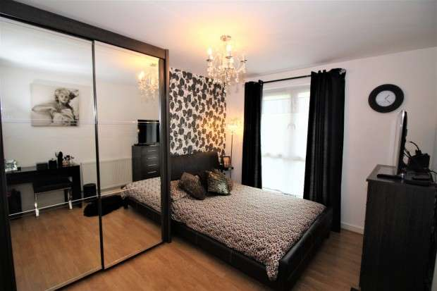 2 Bedrooms Apartment Flat for sale in Argosy Avenue, Blackpool, FY3