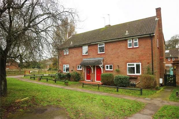 3 Bedrooms Semi Detached House for sale in Templewood, Walters Ash, High Wycombe, Buckinghamshire