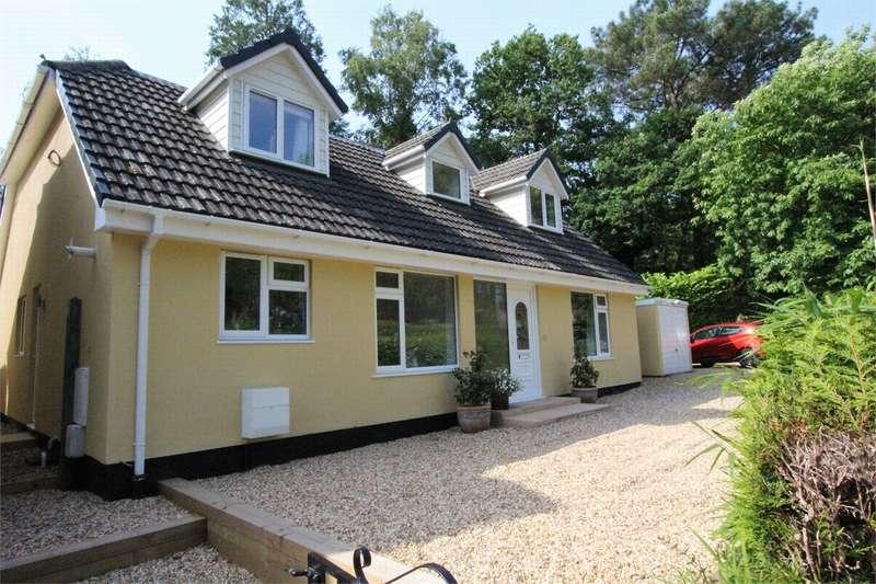5 Bedrooms Detached House for sale in Ferndown, Dorset