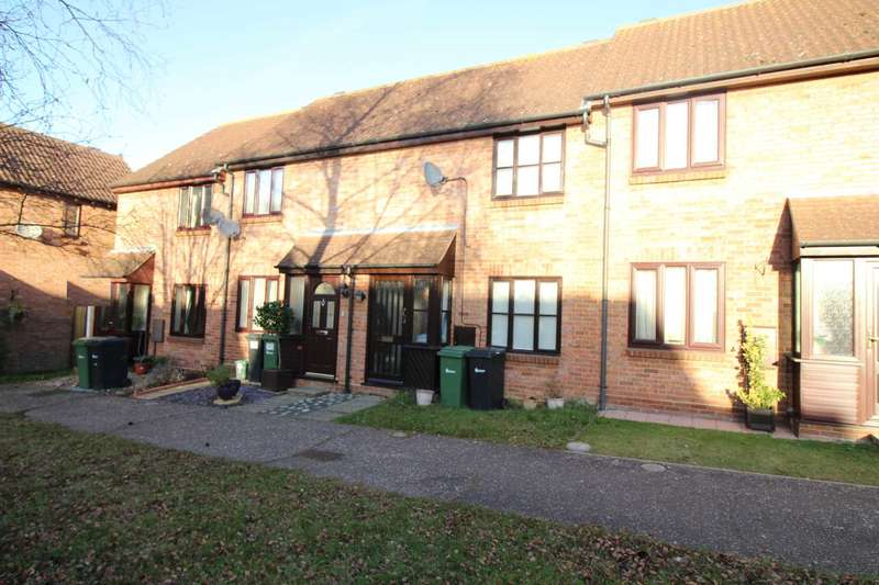 2 Bedrooms Terraced House for rent in Harvest Court, Feering