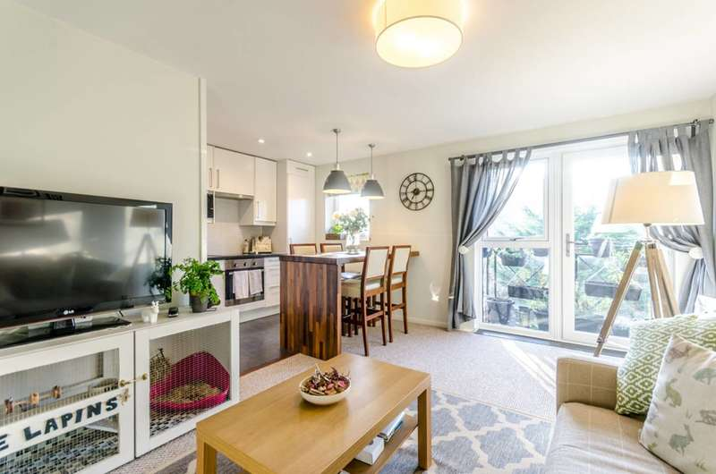 2 Bedrooms Flat for sale in Undine Road, Isle Of Dogs, E14