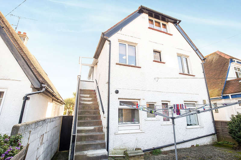 2 Bedrooms Flat for sale in Aglaia Road, Worthing, BN11