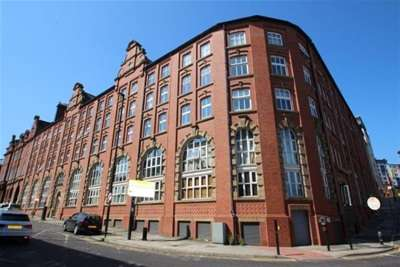 3 Bedrooms Flat for rent in Pandongate House, Newcastle, NE1