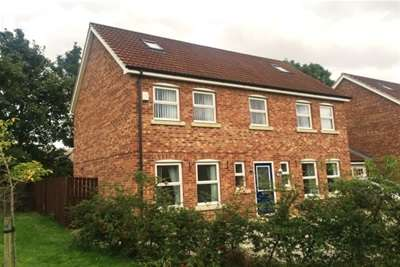 5 Bedrooms Link Detached House for rent in Harriers Croft, Thirsk