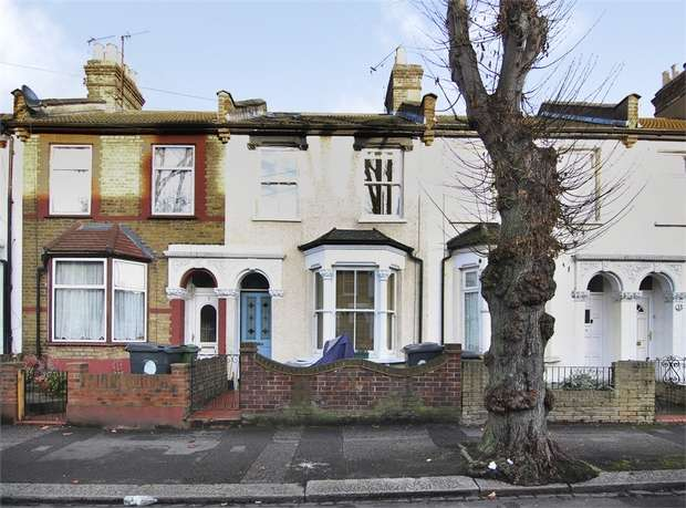 4 Bedrooms Terraced House for sale in Russell Road, Walthamstow, London