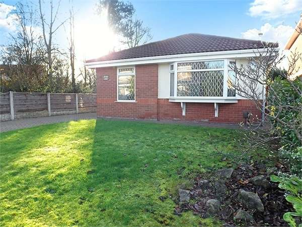 3 Bedrooms Detached Bungalow for sale in Falstone Close, Birchwood, Warrington, Cheshire