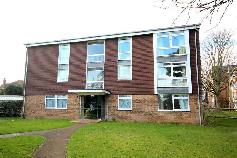 2 Bedrooms Apartment Flat for sale in Grand Avenue, Worthing