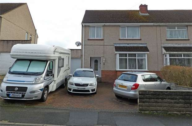3 Bedrooms Semi Detached House for sale in Woodlands Park, Haverfordwest, Pembrokeshire