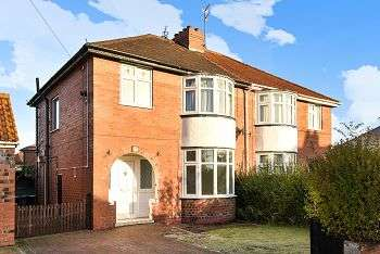 3 Bedrooms Semi Detached House for sale in Saville Grove, York, YO30