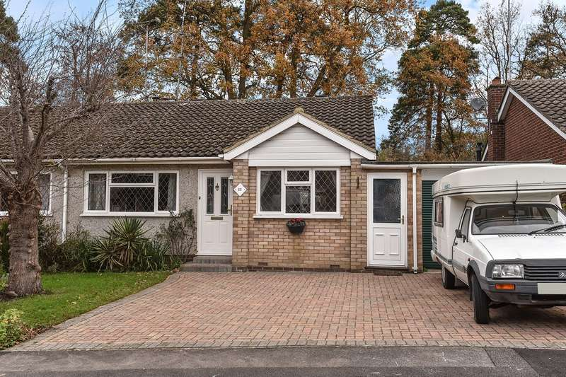 2 Bedrooms Semi Detached Bungalow for sale in Pensford Close, CROWTHORNE, RG45