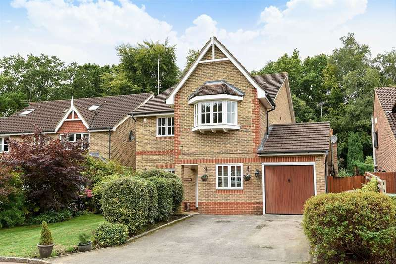 4 Bedrooms Detached House for sale in Kingsley Close, Crowthorne, RG45