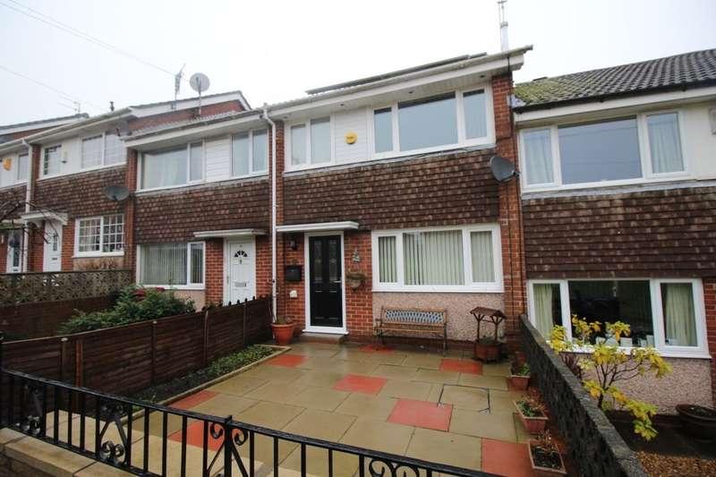 3 Bedrooms Property for rent in Dawlish Close, Blackburn, BB2