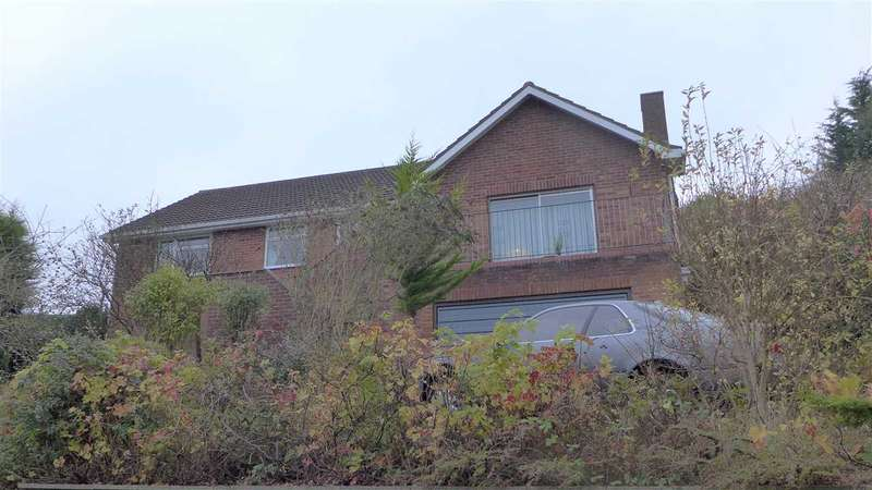 3 Bedrooms Detached Bungalow for rent in Stepney Rise, Scarborough