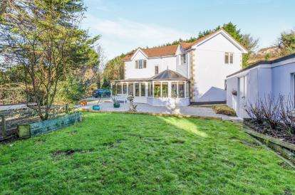 4 Bedrooms Detached House for sale in Angarrack, Hayle, Cornwall