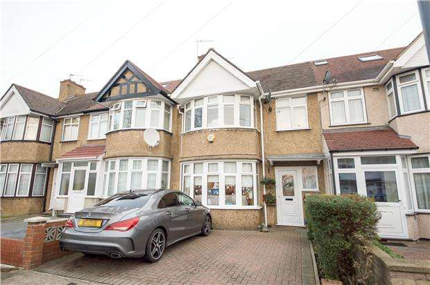3 Bedrooms Terraced House for sale in Winchester Avenue, KINGSBURY, NW9 9SY