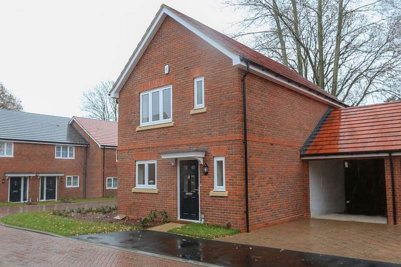 3 Bedrooms Link Detached House for sale in SPRING WOOD CLOSE, BUNCES LANE, BURGHFIELD COMMON, Berkshire, RG7 3DG