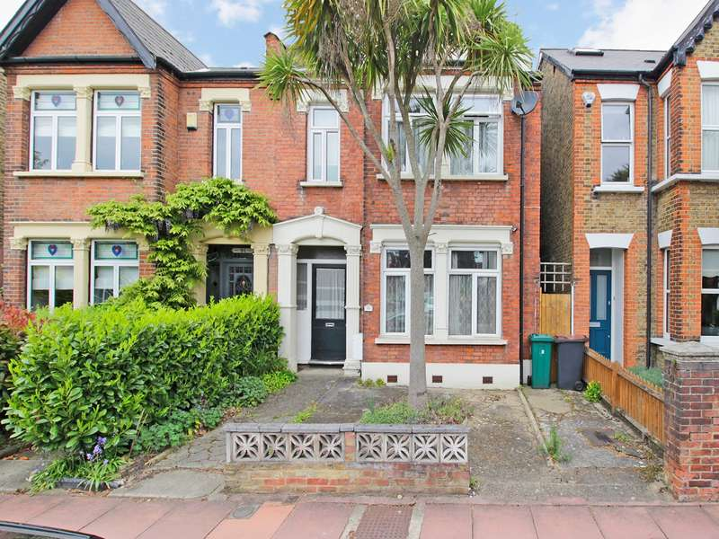3 Bedrooms Semi Detached House for sale in Clock House Road, Beckenham, BR3