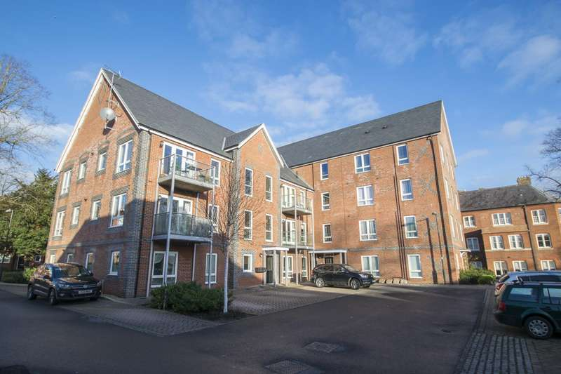 2 Bedrooms Flat for sale in Newlands Way, Cholsey, Wallingford, OX10