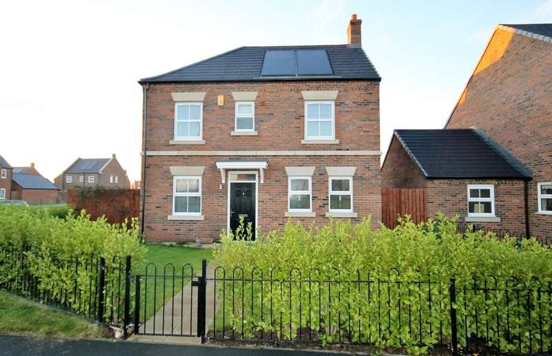 4 Bedrooms Detached House for sale in Oak Drive, Sowerby, Thirsk YO7 3RF