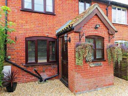 3 Bedrooms Terraced House for sale in Lingwood Road, Blofield, Norwich