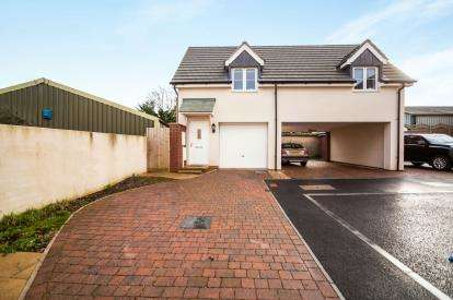 2 Bedrooms Detached House for sale in Paignton, Torbay, Devon