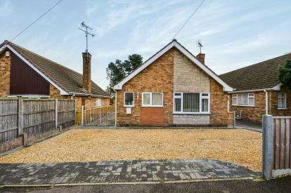 2 Bedrooms Bungalow for sale in Winster Ave, Ravenshead, Nottingham, United Kingdom