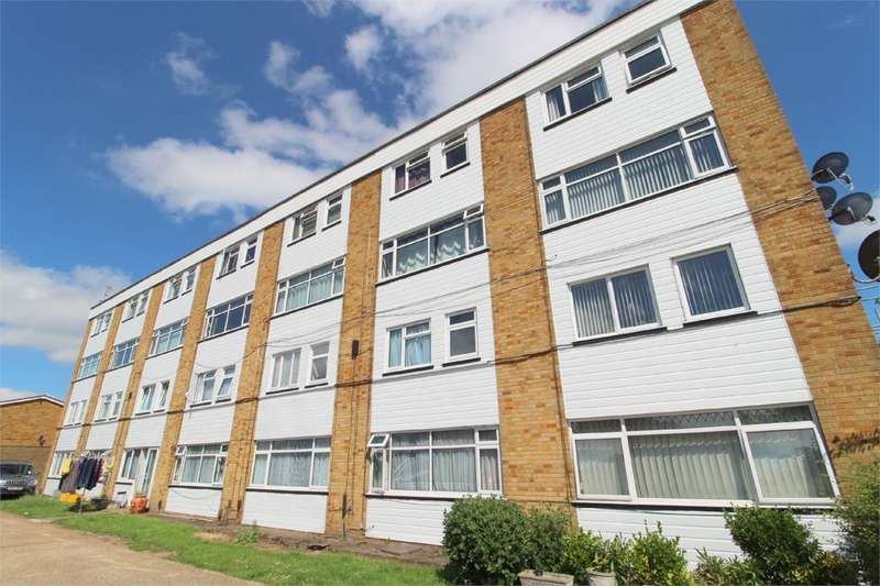 3 Bedrooms Apartment Flat for sale in Percy Bryant Road, Sunbury-on-Thames, TW16
