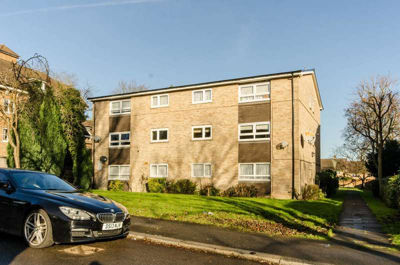 3 Bedrooms Flat for sale in Bycullah Road, Chase Side, EN2