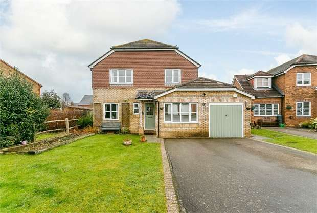 4 Bedrooms Detached House for sale in Fawn Rise, Henfield, West Sussex