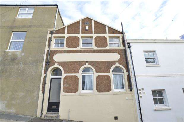 2 Bedrooms Terraced House for sale in Mews Road, ST LEONARDS, East Sussex, TN38 0EA