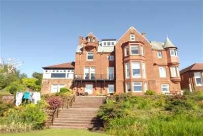 2 Bedrooms Flat for rent in Eglinton Gardens, Skelmorlie