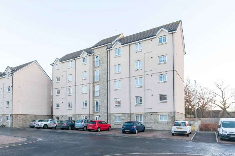 3 Bedrooms Flat for sale in Pilmuir Place, Dunfermline, Fife, KY12 9FD