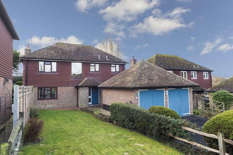 4 Bedrooms Detached House for sale in Hornbrook Copse, Horsham