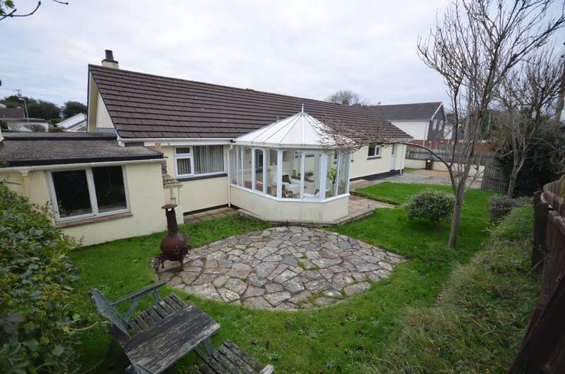 4 Bedrooms Detached Bungalow for sale in 35 Springfield Way