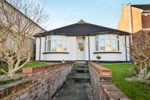 4 Bedrooms Bungalow for sale in Hythe Road, Willesborough, Ashford, Kent