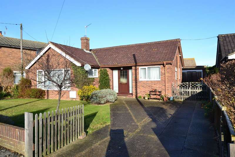 2 Bedrooms Detached Bungalow for sale in Herne Bay Road, Tankerton, Whitstable