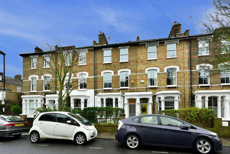 5 Bedrooms Terraced House for sale in Ambler Road, N4 2QT