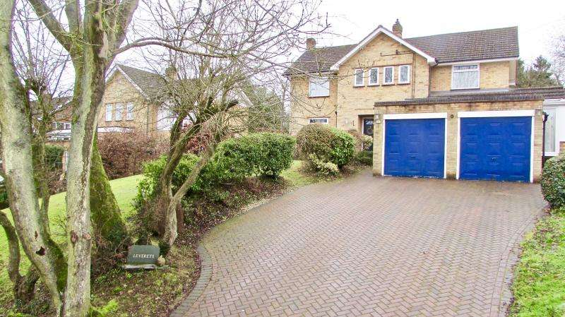 4 Bedrooms Detached House for sale in New Road, Little Kingshill, HP16